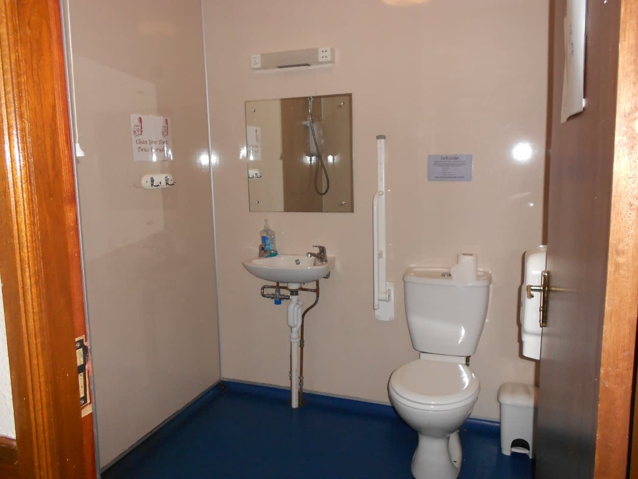 Forth Lodge Wet Room at Bonaly