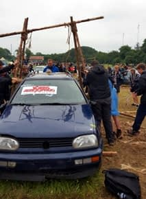 Liftin car with pioneering poles
